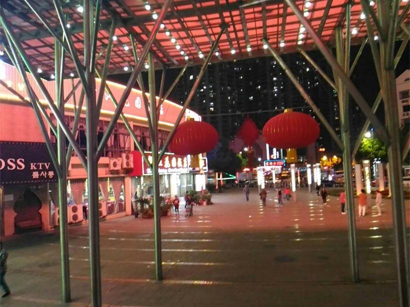 中国のネオン街4